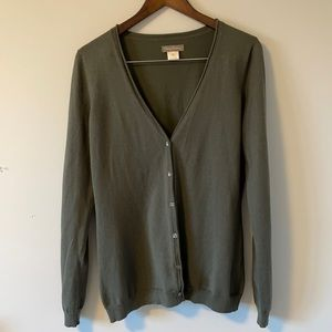 Tommy Bahama Vneck button down cardigan Size medium army green color